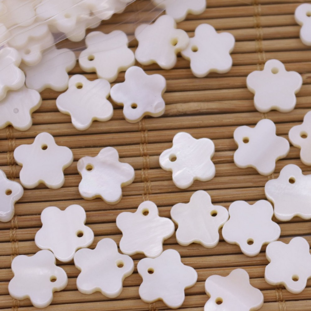 Купить с кэшбэком 50 PCS Flower Shell Natural White Mother of Pearl Pendant Jewelry Making 11mm 12mm 20mm Choose