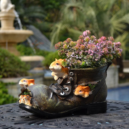 Outdoor courtyard garden creative cartoon squirrel shoes flower pots balcony home decoration garden decoration