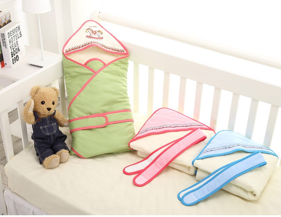 Baby Swaddle (1)