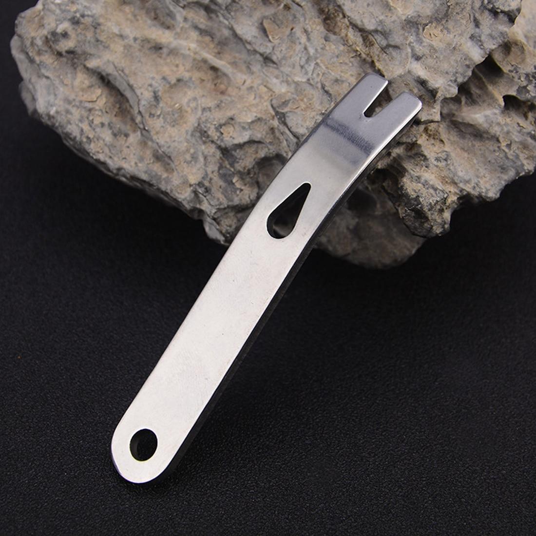 Gear Mini Crank Crowbar Pocket Pry Bar Keychain Multi Tool Survival Scraper EDC