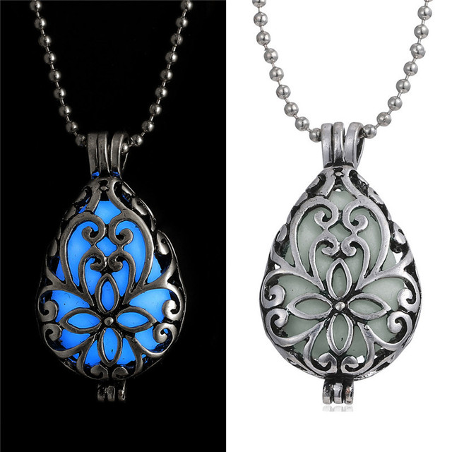 1 PCS Steampunk Heart Luminous Blue Gem Glow in Dark Locket Pendant Necklace Hollow Glowing Necklace Halloween Christmas Gifts