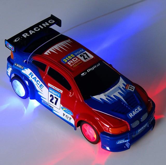 Simulación de carreras de coches de control remoto de cuatro vías de seguimiento rápido Flash rueda de puestos de venta de coches de control remoto de coches de juguete para niños