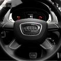 Fibra de carbono 3D Adesivos de Carro Volante Adesivo Epóxi Emblema Reequipamento Adesivo crachá para Audi A4L A6L A3 Q3 Q5 Q7 Carro Styling