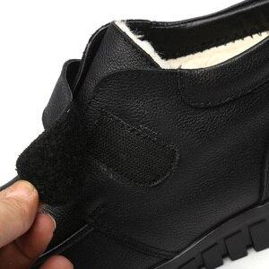 Image 5 - Drkanol moda couro genuíno dedo do pé redondo mulheres botas de neve inverno botas de tornozelo plana sapatos de algodão de pelúcia quente botte femme