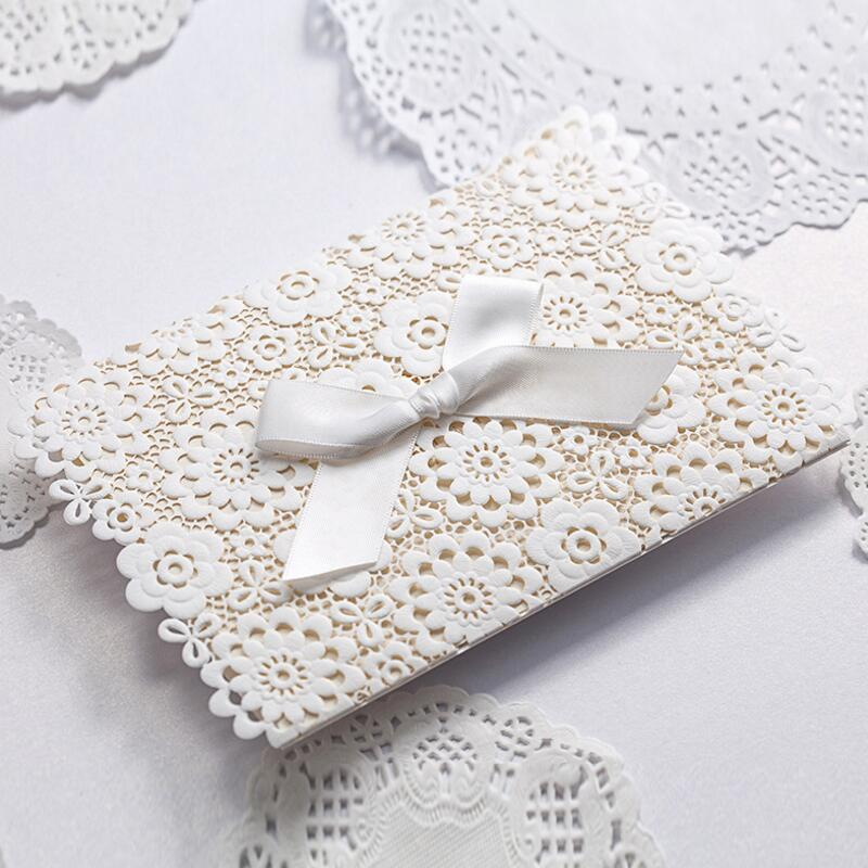 50pcs/pack Lace Wedding Invitations Elegant Embossed White Ribbon Bow Envelope Printing Custom Birthday Party Event Invitations 1 design laser cut white elegant pattern west cowboy style vintage wedding invitations card kit blank paper printing invitation