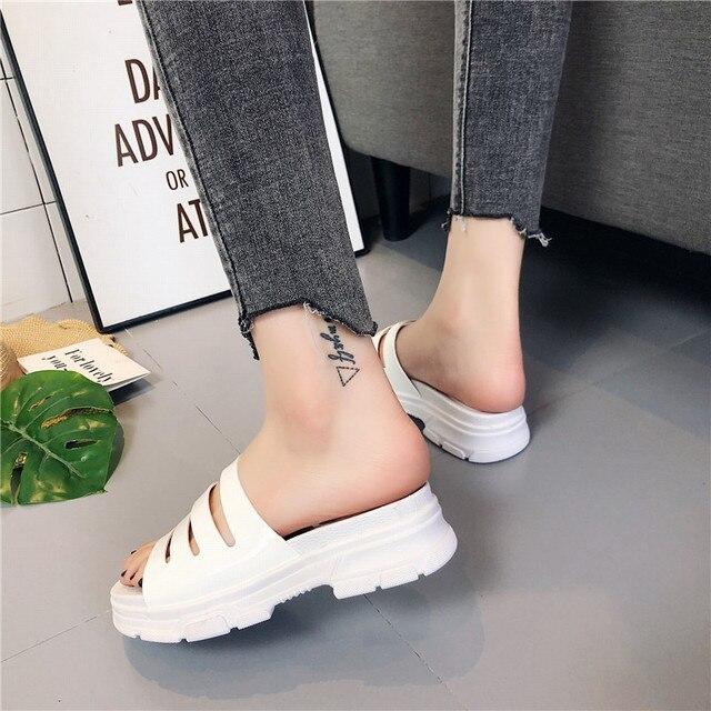 COOTELILI Verão Chinelos Mulheres Slides Plataformas Planas do Couro Envernizado Mulher Causal Wedge Mulheres Sapatos Deslizar sobre