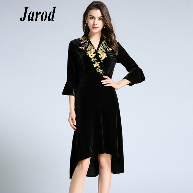 2018 Autumn Winter High Quality Luxury Runway Flare Sleeve Dress Vintage Women Gold Embroidered Velvet party Dress