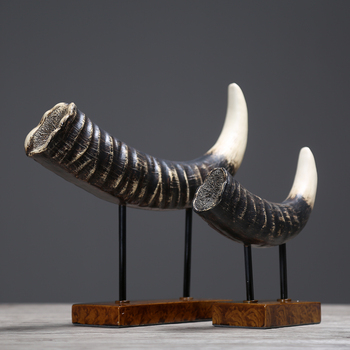 Nordic Retro Wine Cabinet Decorations Ornaments Model of Office Living Room Home Decor Furnishings Ox Horn Craft Gifts Statue