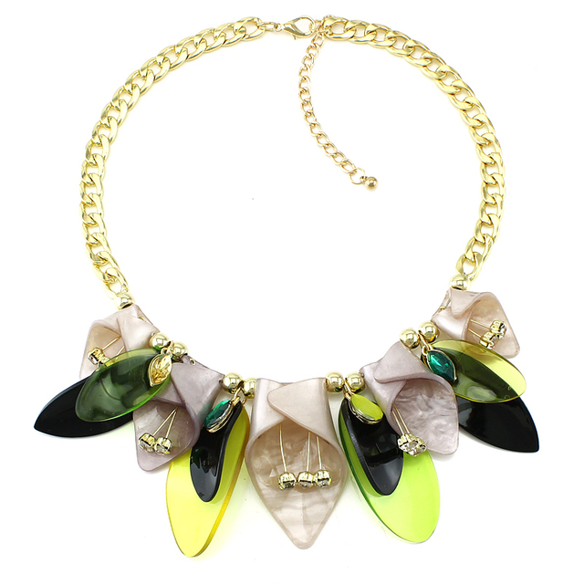 Acrylic Flower Collar Necklace