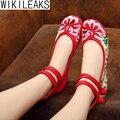 2016 Mulheres Bordado de Pano do Estilo Chinês Sapatos de Caminhada Mulher Casual Plus Size Apartamentos Floral Oco Peito Do Pé Fivela Sapatos De Linho