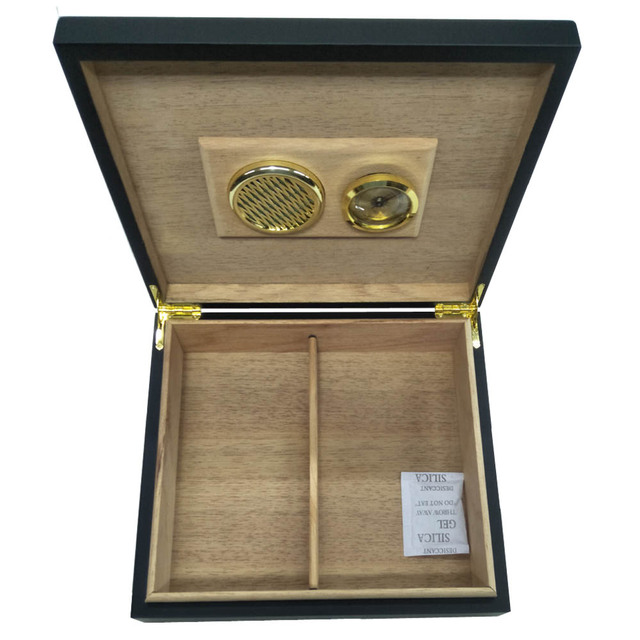 Modern Stylish Absolute Black Wood Large Capacity Cigar Humidor