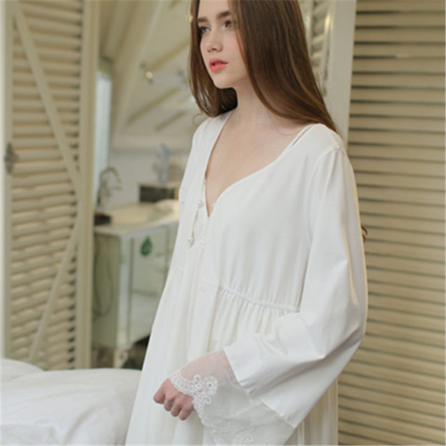 Outstanding Short White Dressing Gown Ensign - Best Evening Gown ...