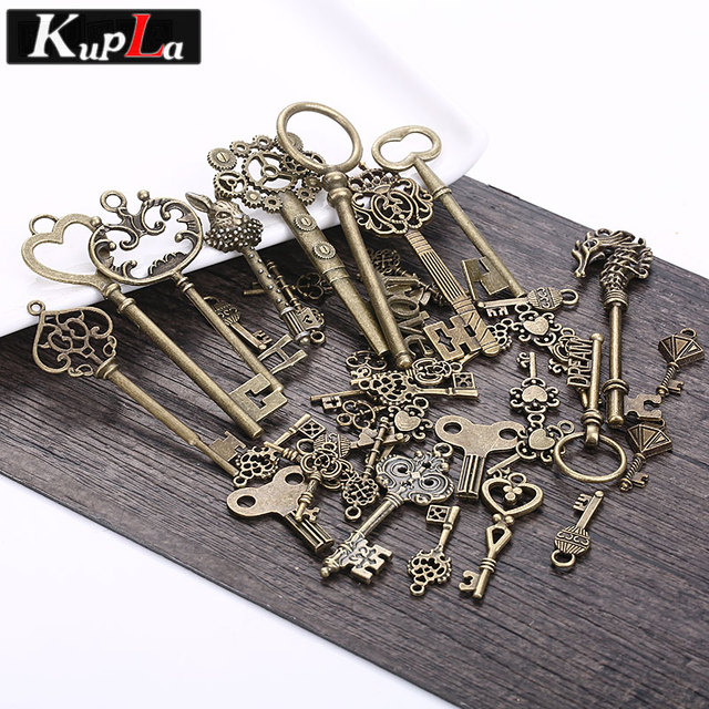 Vintage Metal Charms Classic DIY Fashion Handmade Decoration Key Shape Charms for Jewelry Making 40pieces/lot