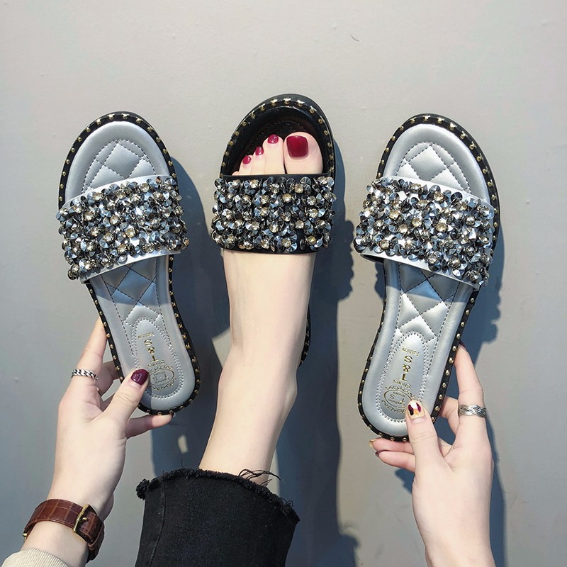 Women Crystal Rivets Slides Slipper Casual Female Summer Flat Beach Shoes Comfort For Girls Fashion Leisure Footwear 2019 in Slippers from Shoes