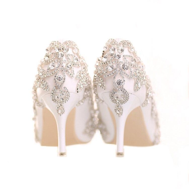 34 39 الدانتيل الأبيض الضحلة Ponited رئيس الانزلاق على مخصص الكريستال اللؤلؤ الحلو عالية الكعب العروس فتاة الزفاف لبس الأحذية-في أحذية نسائية من أحذية على  مجموعة 1
