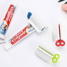 2PC Multi-function Toothpaste Squeezer Portable Plastic Facial Cleanser Squeezer Bathroom Accessory Set Toothpaste Dispenser маркер grog squeezer 25 bpi uppercut purple 25 мм