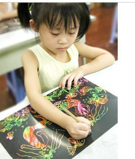 free shipping Genuine Johnson brand 8K colorful scraping scraping paper paper 5 / bag scratch paper children gifts scraping pen