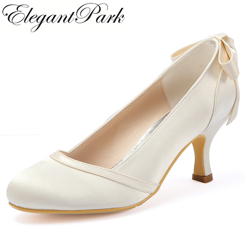 купить Woman shoes wedding bridal Mid heel White Ivory Round Toe Bows slip on Satin lady girls bride prom party evening pumps HC1804 по цене 3081.77 рублей