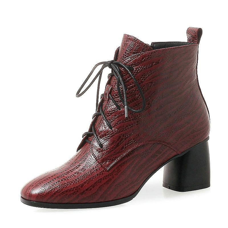 Ayakk.'ten Ayak Bileği Çizmeler'de Kadınlar Lüks Hakiki Deri yarım çizmeler Kadın Moda Kare Topuk Yüksek Topuk Ayakkabı Kadın Kış Ayakkabı Bayanlar Parti Kaliteli Botlar'da  Grup 1