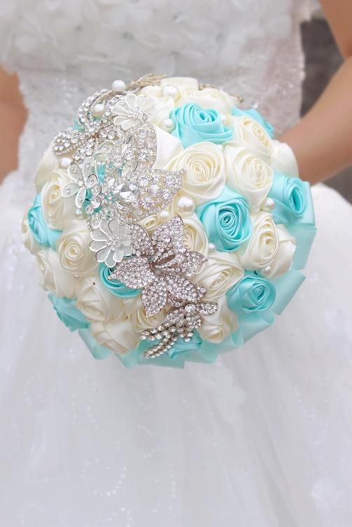 Novia libre del envío que sostiene las flores, ramo de la novia de - Accesorios de boda - foto 5