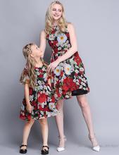 2016 Бросился Летний Новый Мать Дочь Эстетическая Мода Цветочное Платье Мама И Я Платья Девушки Европейский Высокого класса Семьи смотреть