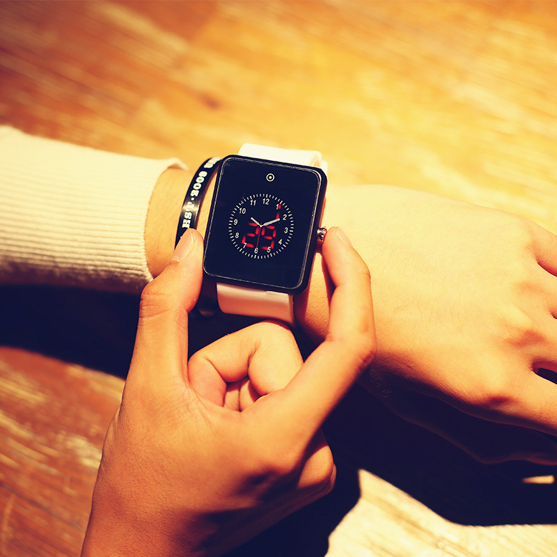 Fashion Couple LED Watch Quartz Watch Middle School Students Female Creative Korean  Trend Personality Bracelet  Sports Hour