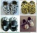 Nueva leopardo del pelo del caballo del cuero Genuino de la borla de mocasines zapatos de bebé suave suela de los botines Del Niño/bebé franja niños zapatos de prewalker