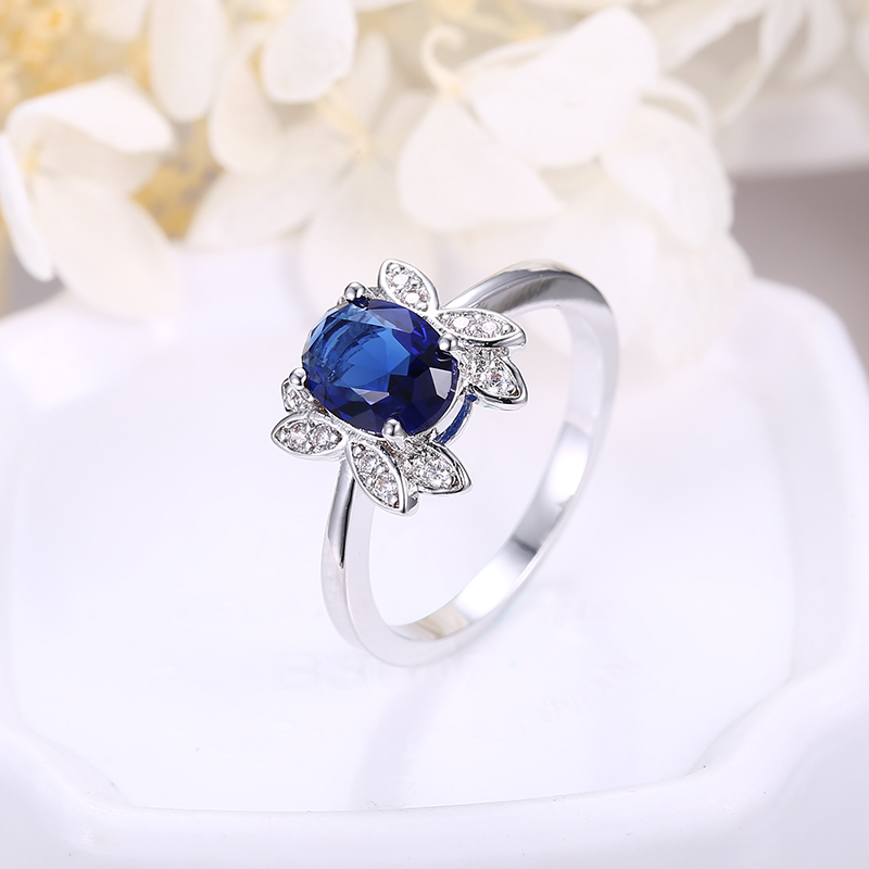 Sweet-Tempered Designer Fashion Sliver Color Plated Custom Ring Aaa Cubic Zircon Honey Bee Shape For Women Promise Wedding Rings