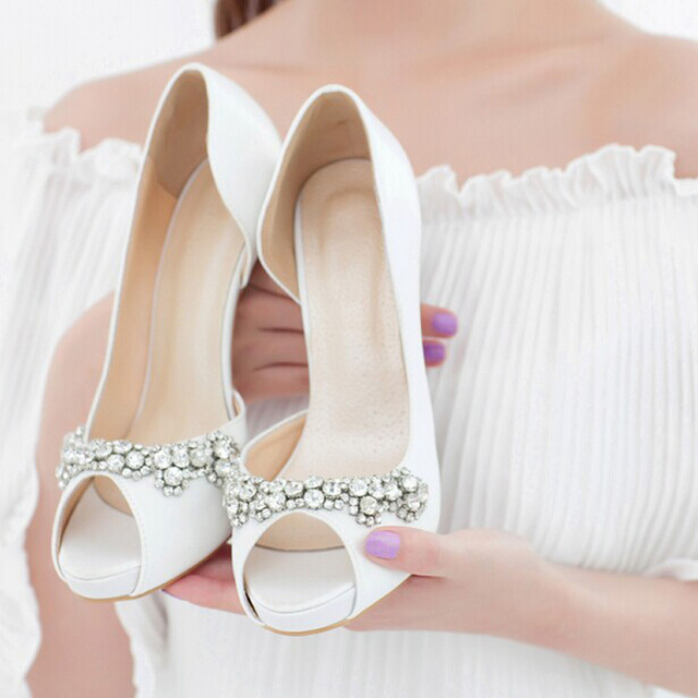 2018 Luxury Handmade Ivory Rhinestone High Heels Bridal Shoes Elegant Wedding  Shoes Peep Toe Girl Dress Shoes Free shipping d31ee5feca53