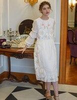 Весеннее женское винтажное элегантное белое хлопковое платье миди, оригинальный дизайн, ограниченная серия, античное вышитое крючком плат