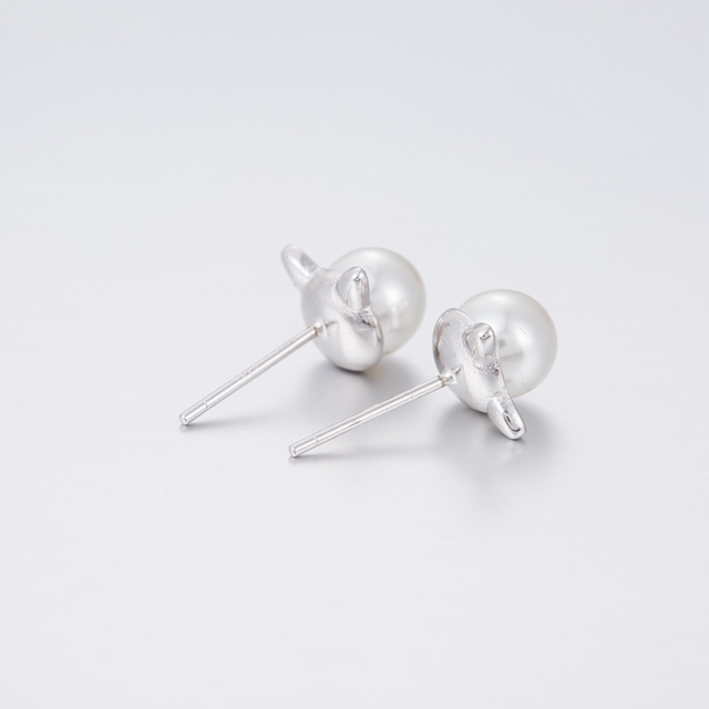 Pearl Cat Stud Earrings 4