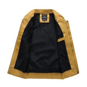 Image 2 - Männer Bomber Jacke Fleece 2020 Neue Casual Brief PU Baseball Jacken Männlichen Herbst Winter Warm Dicken Fit Oberbekleidung Militär Mantel
