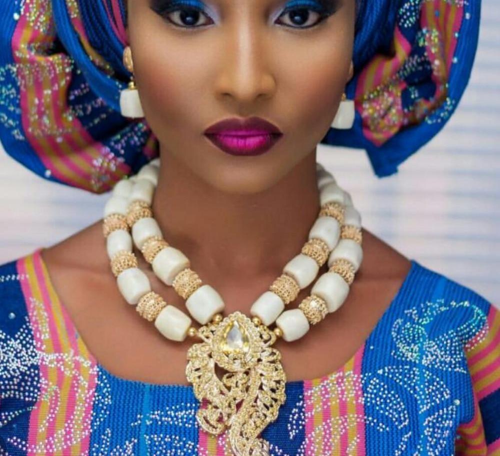 Cantik karang putih manik-manik perhiasan African kalung set, Liontin - Perhiasan fashion