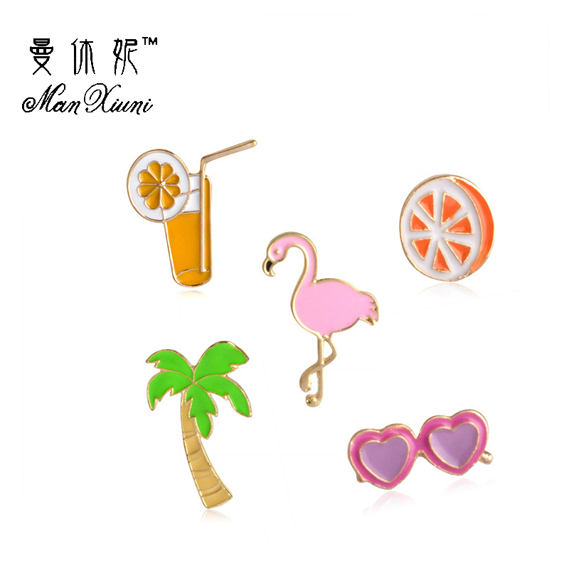 Manxiuni 5pcs/set Bohemian beach winds Flamingo Coconut Tree Glasses Orange Drink Cartoon Brooch Button Pin Bag Denim Jacket Pin