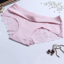 Lace sexy one-piece seamless breathable cotton lining middle waist womens underwear briefs free shipping