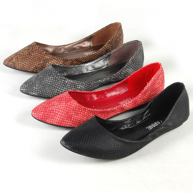 Ladies European and American style Snake Texture Plus size (4-15) Pointed toe Women Single Casual Flats Dancing Kvoll shoes Red