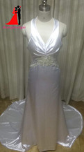 New White Plus Size Mermaid Wedding Dresses 2017 V-Neck Crystal Beads Bridal Gown Court Train Vestido de noiva
