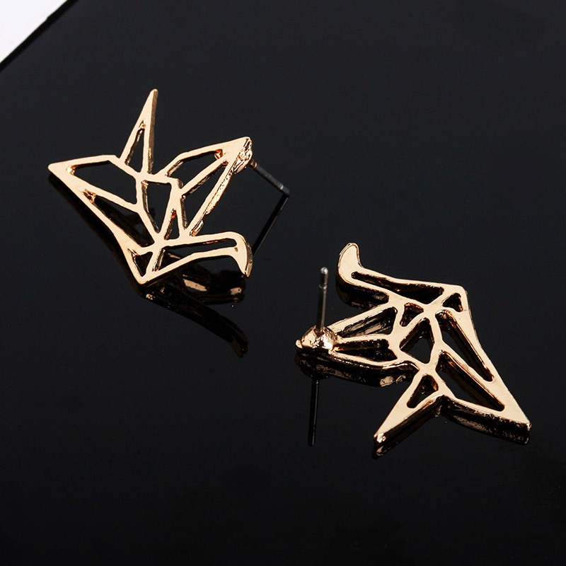 Exquisite Origami Crane Women Metal Wild Stud Earrings Simple Geometry Gold Unique Stud Earrings Girls Fashion Jewelry Accessory