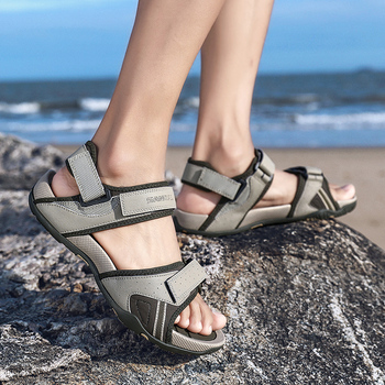 Summer shoes men leather classic sandals shoes men romen high quality comfort slipper beach walking shoes outdoor sneakers men