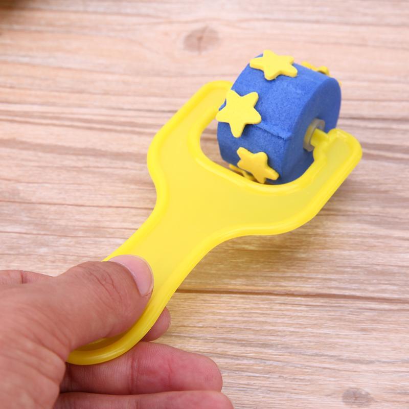 4Pcs-Creative-set-for-kids-yellow-sponge-brushes-children-kids-painting-graffiti-toys-plastic-handle-drawing-brush-drawing-toys-4