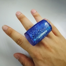 1pc Guitar Sand Shaker Rhythm Ring Wear on Finger Guitar Accessories Color Random delivery