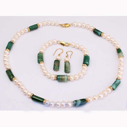 Jolies boucles d'oreilles vertes Agates blanches collier de perles d'eau douce, ensemble de bijoux de mode femmes perle-in Parures de bijoux from Bijoux et Accessoires    1