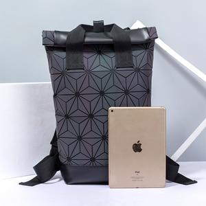 Image 3 - Модные женские рюкзаки 2021, Светящийся рюкзак с геометрическим рисунком, большой мужской школьный рюкзак для ноутбука, рюкзак на плечо для путешествий с голографическим рисунком