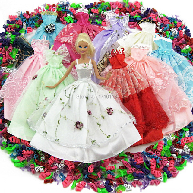 Lot 15 Pcs = 10 Pairs Of Shoes & 5 Wedding Dress Party Gown Princess Cute Outfit Clothes For Barbie Doll Girls' Gift Random Pick