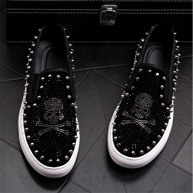 2019 Luxury Brand Skull Men Loafers White Diamond Rhinestones Spikes Men Shoes Rivets Casual Flats Sneakers Wholesale Size 38-43