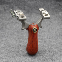 Slingshot Hunting Stainless steel Rotating bow head Catapult Wood Handle With Rubber band Outdoor Shooting Games