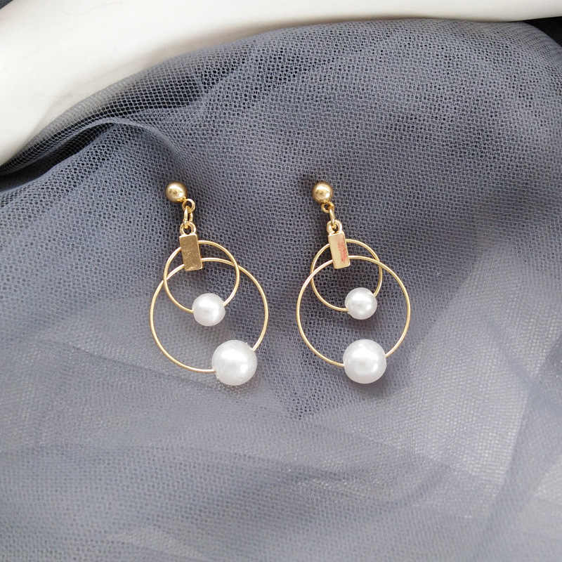 Simple Statement Pearl Clip on Ears Earring with Pearl Minimalist Thin Line Connected Rounds Clips Earrings No Pierced Hole