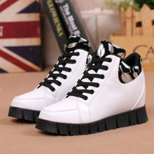 2017Girls leisure Shoes Breathable Lace Up In with Material Height Increasing 2016 New Autumn Winter Fashion Women Casual Shoes