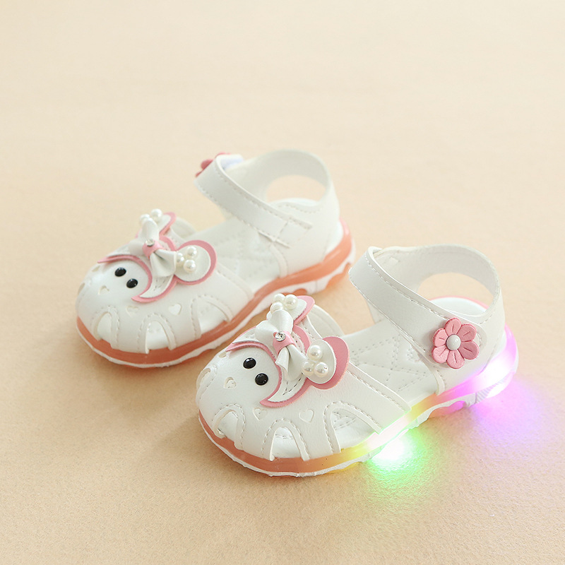 New 2018 fashion excellent lighting children sandals hot sales pretty kids shoes high quality casual baby girls shoes