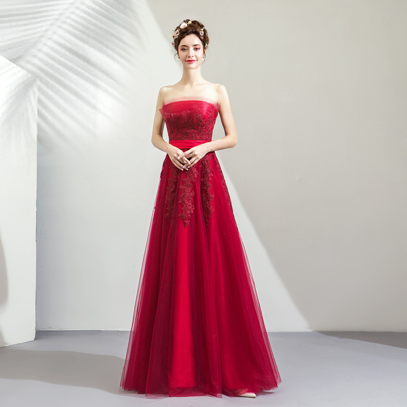 b6289ddd6b2 2019 New Young Mom Sweet Lace Flower Wine Red Sleeveless Shoulderless Long  Banquet Wedding Dress